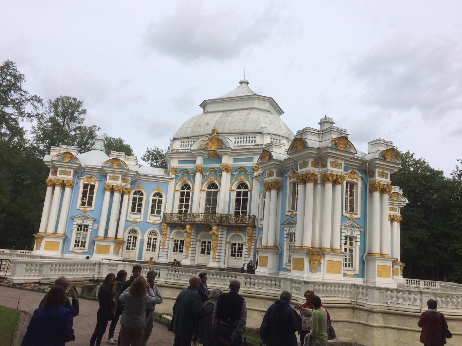 Adele e Anna dal 7 all'11 Agosto a San Pietroburgo. #ConcorsoFotograficoViaggiCarmen2019